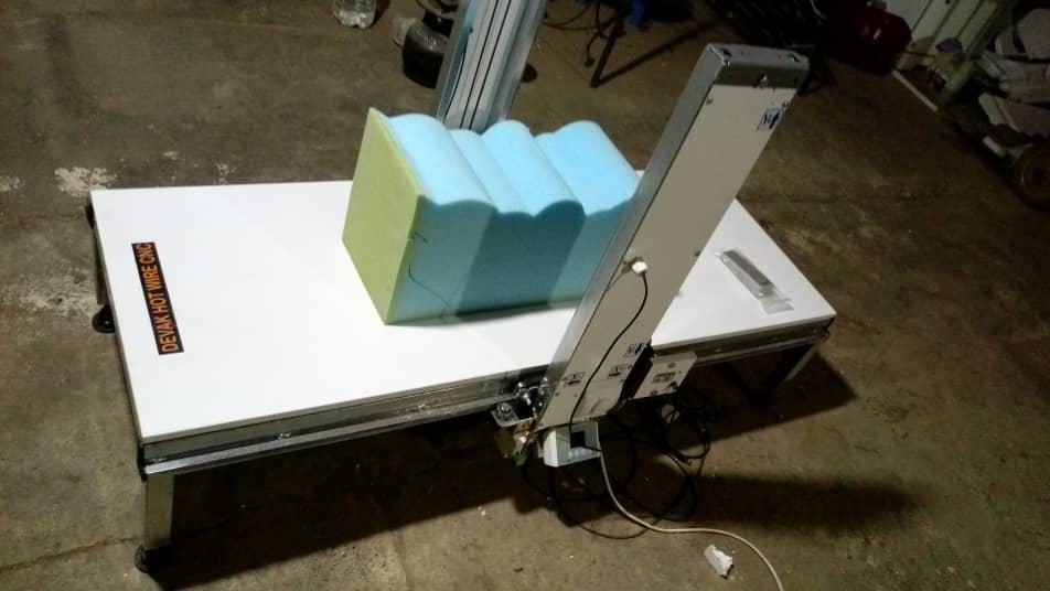 دستگاه CNC رومیزی برش یونولیت